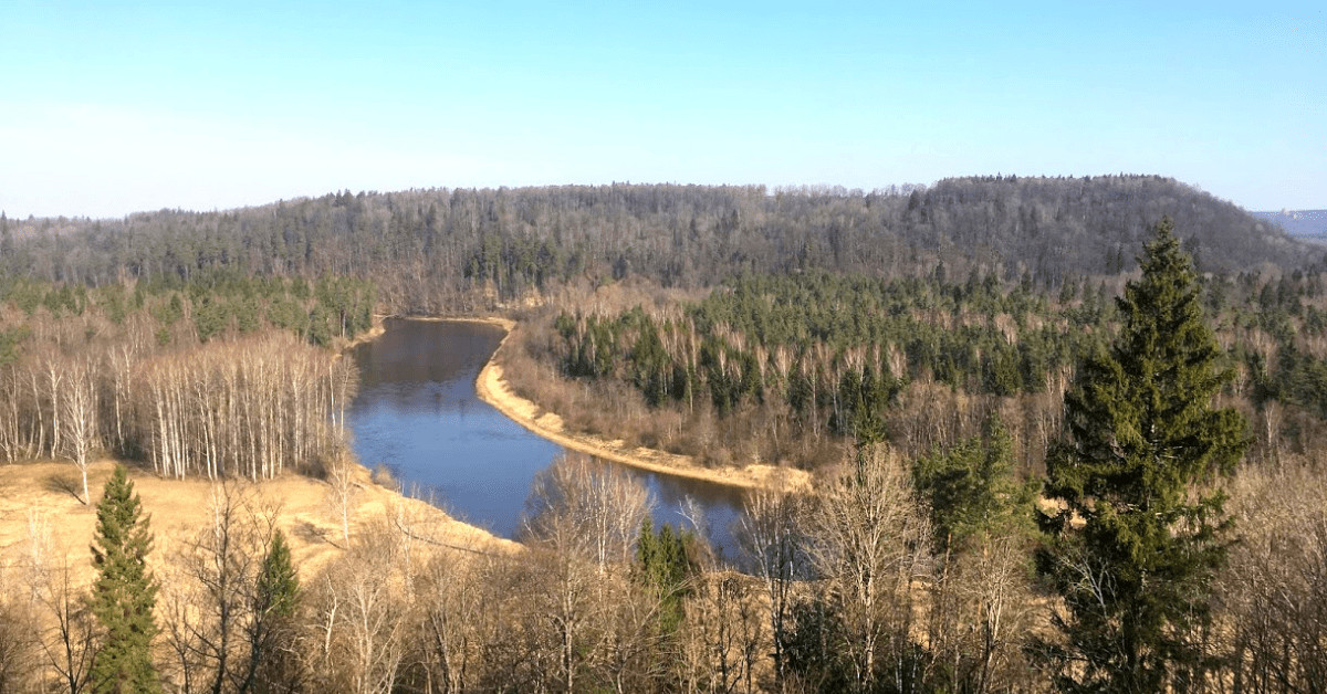 Sigulda city toour from Riga. Guided tour in the national park